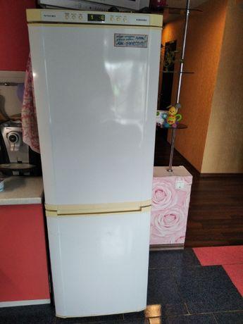 Холодильник SAMSUNG NO FROST с нижней морозильной камерой