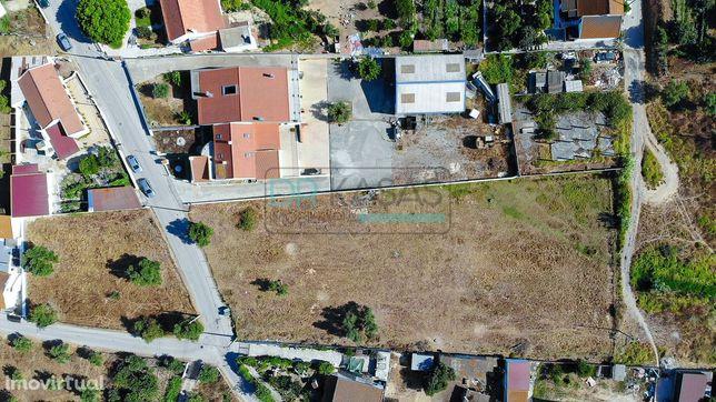 Lote de terreno urbano com área de 5.000m2 em Santo Ovidio - Setúbal
