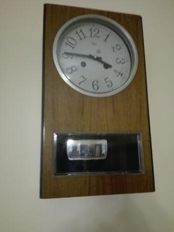 Zegar Ścienny Wahadłowy Szafkowy Jak Nowy