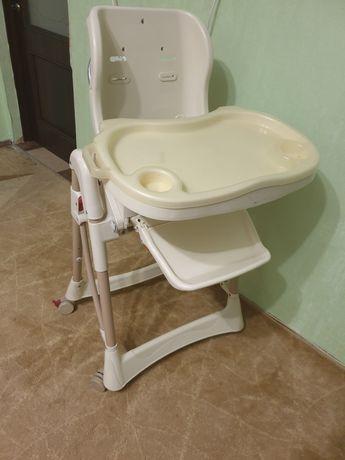 Продам детский столик для кормления.