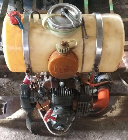 Pulverizador de costas a gasolina usado
