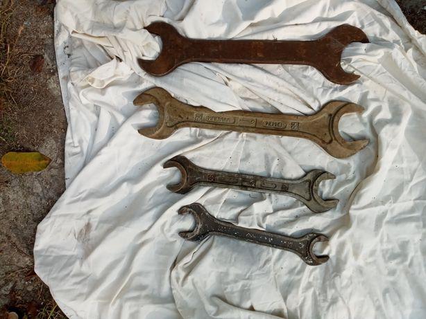 Ключи разных  размеров..Производства СССР..Есть меньшие,средние и боль