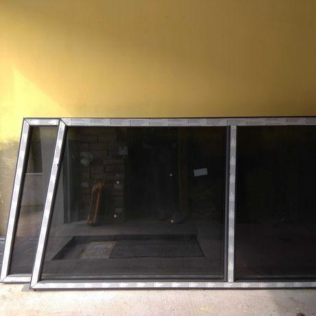 Okna fix antracyt, ściana szczytowa, szkło barwione.