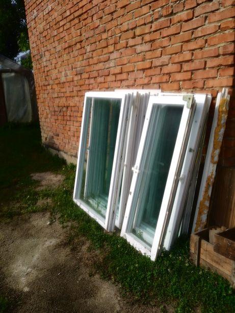Okna z klamkami
