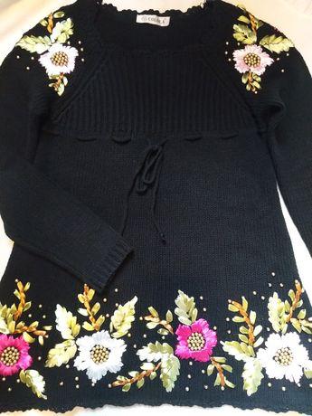 Красивый удлиненный свитерок