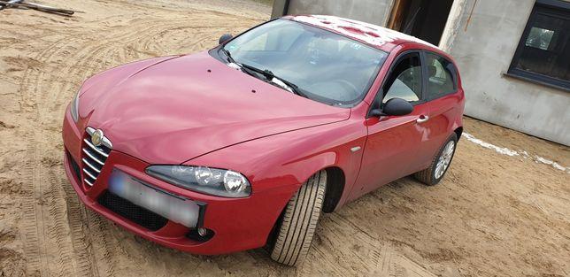Auto Alfa Romeo 147 1.6 benzyna 2004r Klima samochód