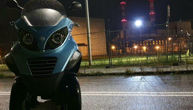 Włoskie Piaggio mp3 125 ccm 3 kołowy nie vespa 250 PRAWOJAZDY KAT B