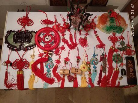 Kolekcja chińskich ozdób na meble