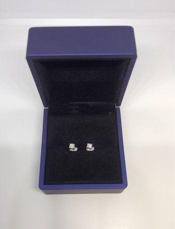 Продам золотые пусеты с бриллиантами 0.32 карата, 585 вес 1.65 грамм