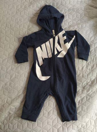 Kombinezon dla chłopca Nike 68