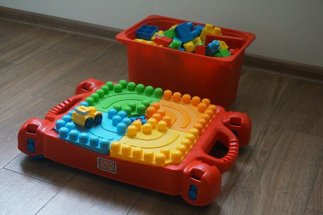 столик MEGA BLOCK развивающий конструктор как LEGO DUPLO кубики