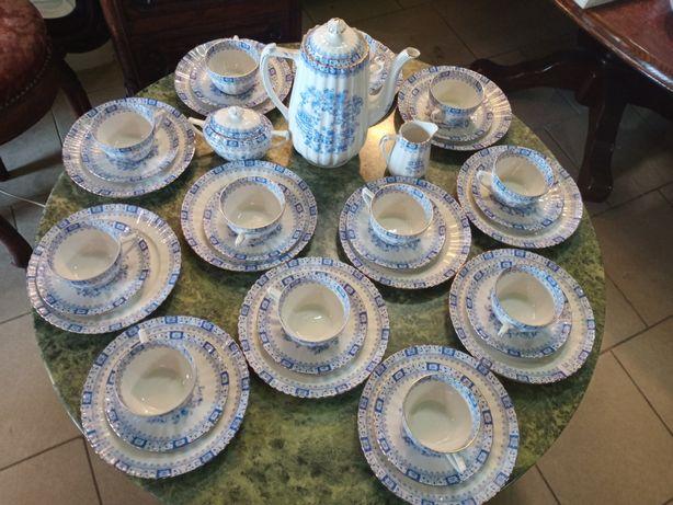 Doskonały Serwis China Blau dla 12 osób.