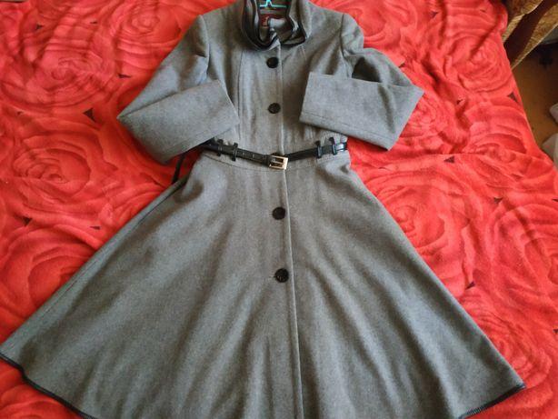 Стильное пальто, элегантное
