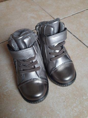 Продам новые детские зимнии ботинки. Сапожки зимнии. Зимові ботінки.