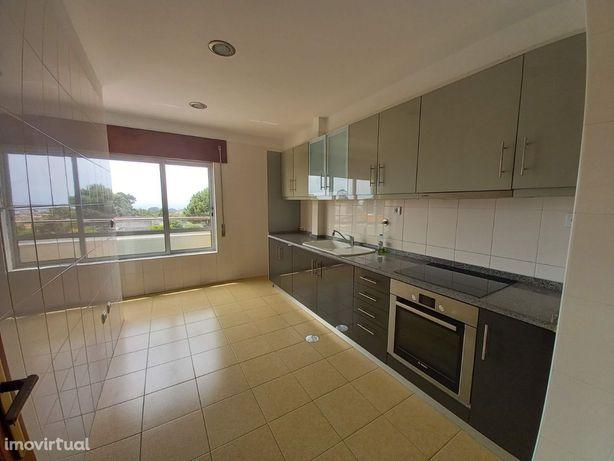 Apartamento T2 com Terraço para arrendamento em Valadares - ref. 21.6/