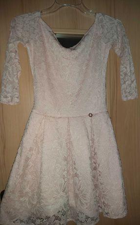 Sukienka pudrowa koronka S