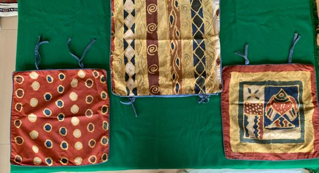 3 Almofadas pintadas à mão do Zimbabwe