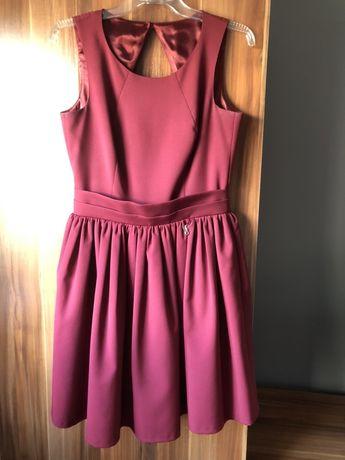Bordowa rozkloszowana sukienka