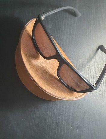 Óculos de sol polaroid - Como novos