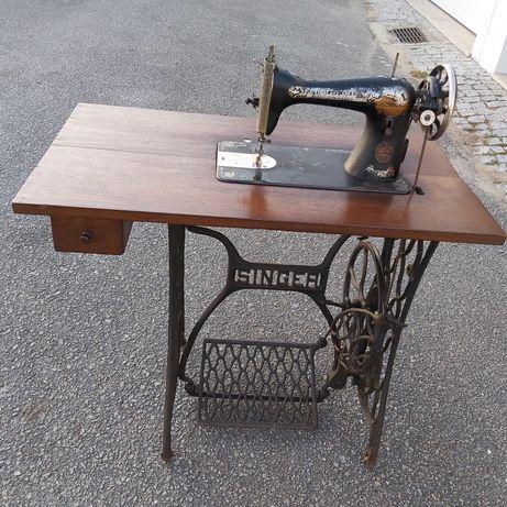 Maquina Costura Singer Antiga