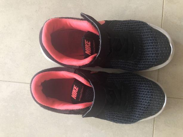 Ténis Nike como novos