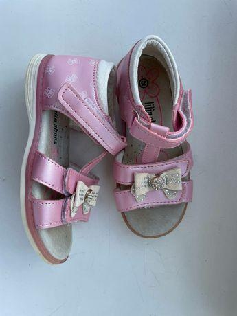 Детская обувь,недорого! В отличном состоянии!