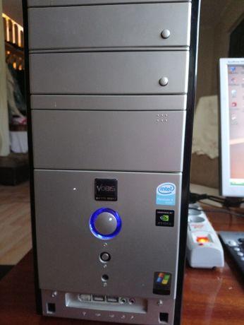 Komputer + monitor, głośniki, klawiatura, myszka, przedłużacz