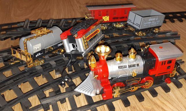 Рельсовый Локомотив с вагонами. Пассажирский, грузовой, цистерн,рельсы