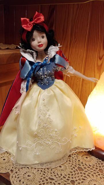 Królewna śnieżka lalka porcelanowa