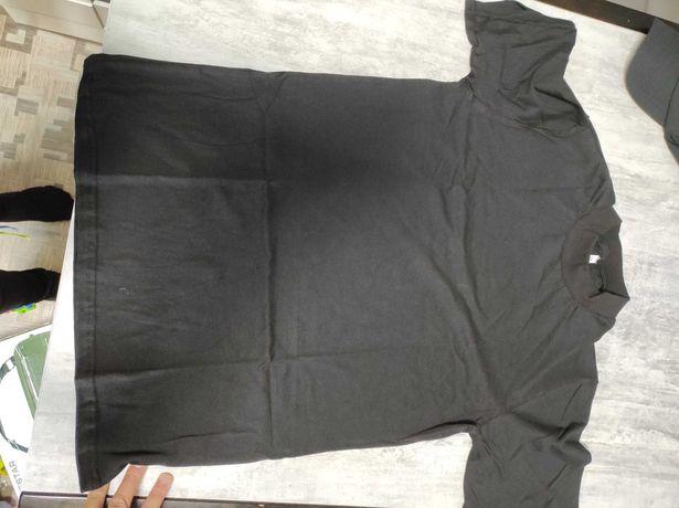 Чорна футболка чоловіча