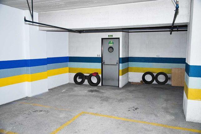 Parqueamento / Garagem - Alto dos Moinhos