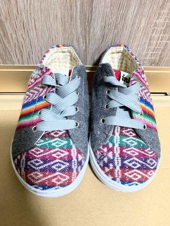 Детская обувь мокасины кеды