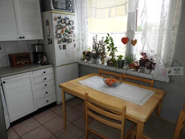 Osiedle Stroszek 3 pokoje, balkon, c.o., parking