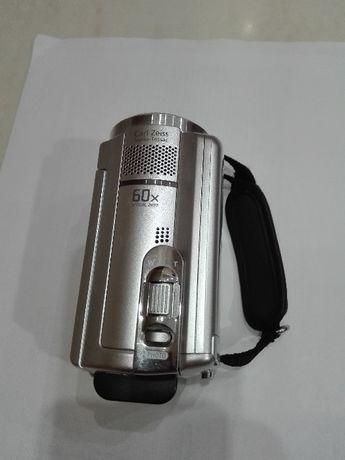 Цифровая видеокамера Sony DCR-SR68