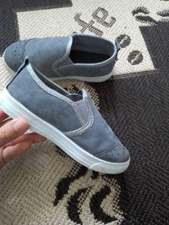 Сліпони кеди мокасіни кроссовки кросівки