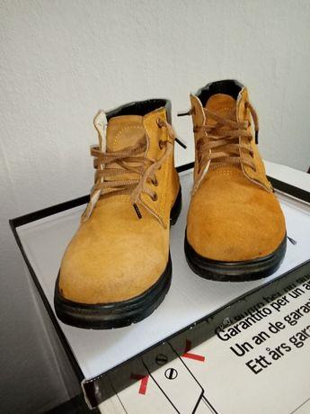 Sprzedam buty trakkingowe