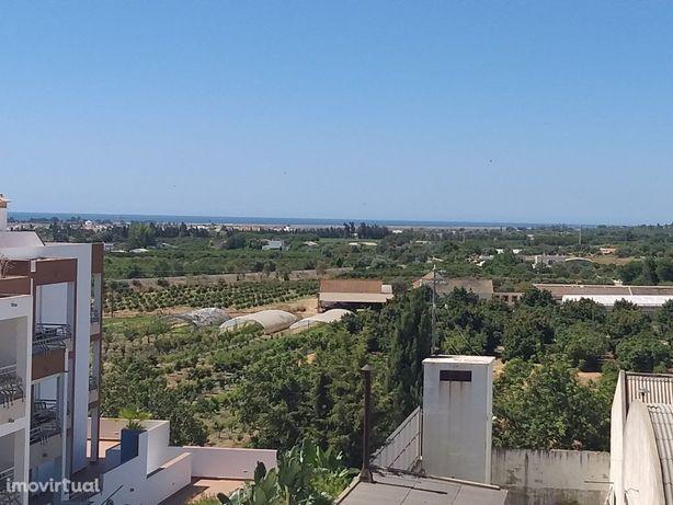 Excelente T3 em Tavira com terraço na cobertura e vista mar