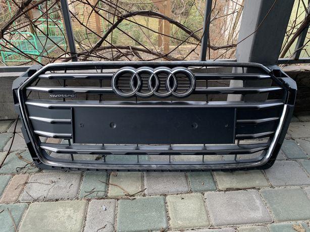 Решетка радиатора Audi