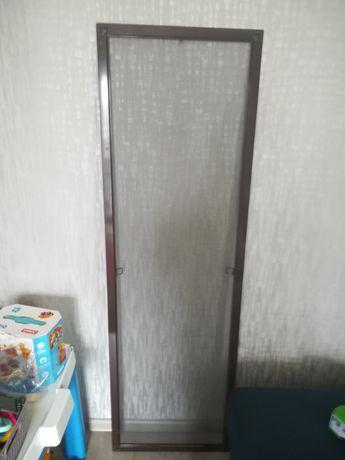 Антимоскитная сетка на окно, коричневая