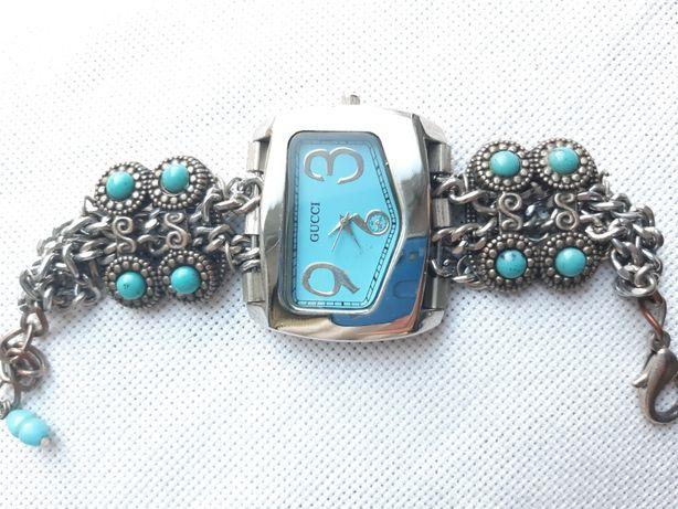 Женские часы, красивый и оригинальный аксессуар
