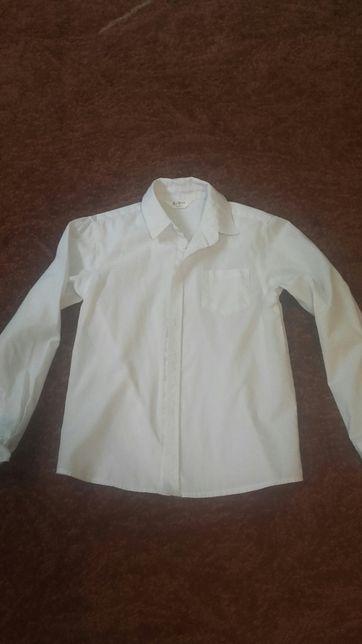 Biała koszula rozm 134