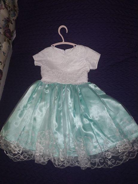 Шикарное платье на возраст 3-5 лет