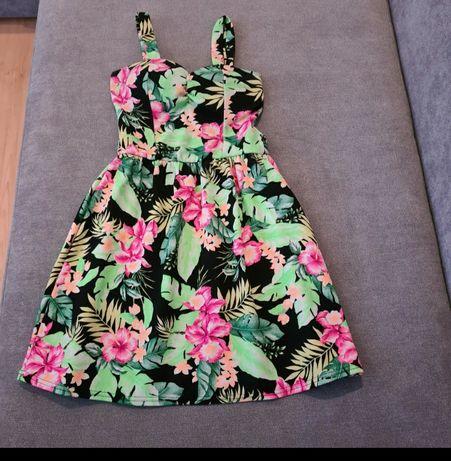 Sukienka krótka w kwiaty S