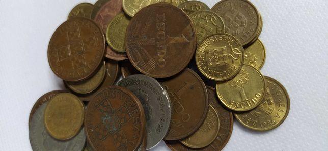 Lote 40 moedas de 1 escudo