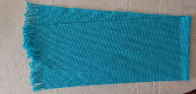 Новый шерстяной шарф голубого цвета. Производство Польша.