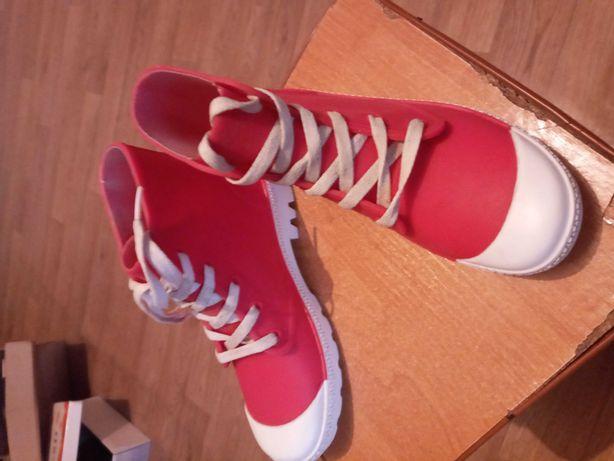 Резиновые ботиночки на девочку