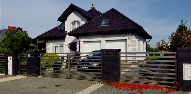 Piękny jednorodzinny dom w dobrej okolicy!!!