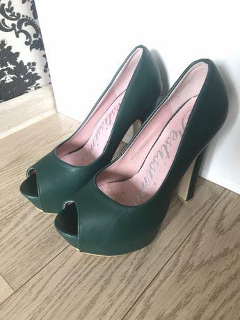Продам туфли Festissimo