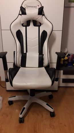 Fotel gamingowy bialo czarny jak nowy krzeslo komputerowe