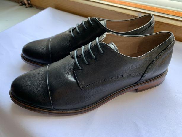 Женские туфли на мужском каблуке (дерби)